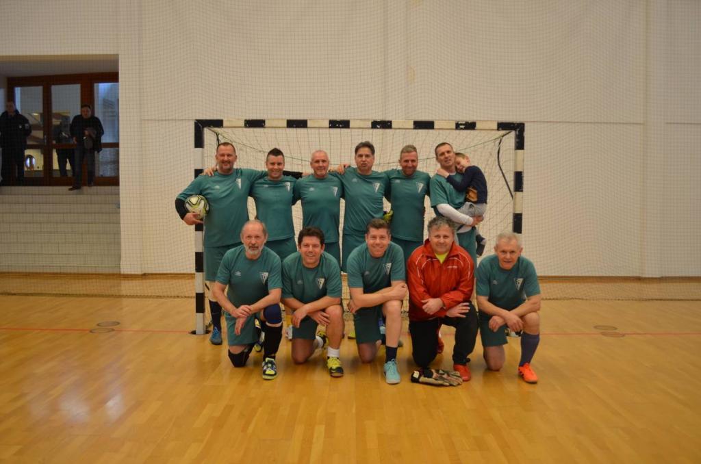 A győztes BM Öregfiúk csapata
